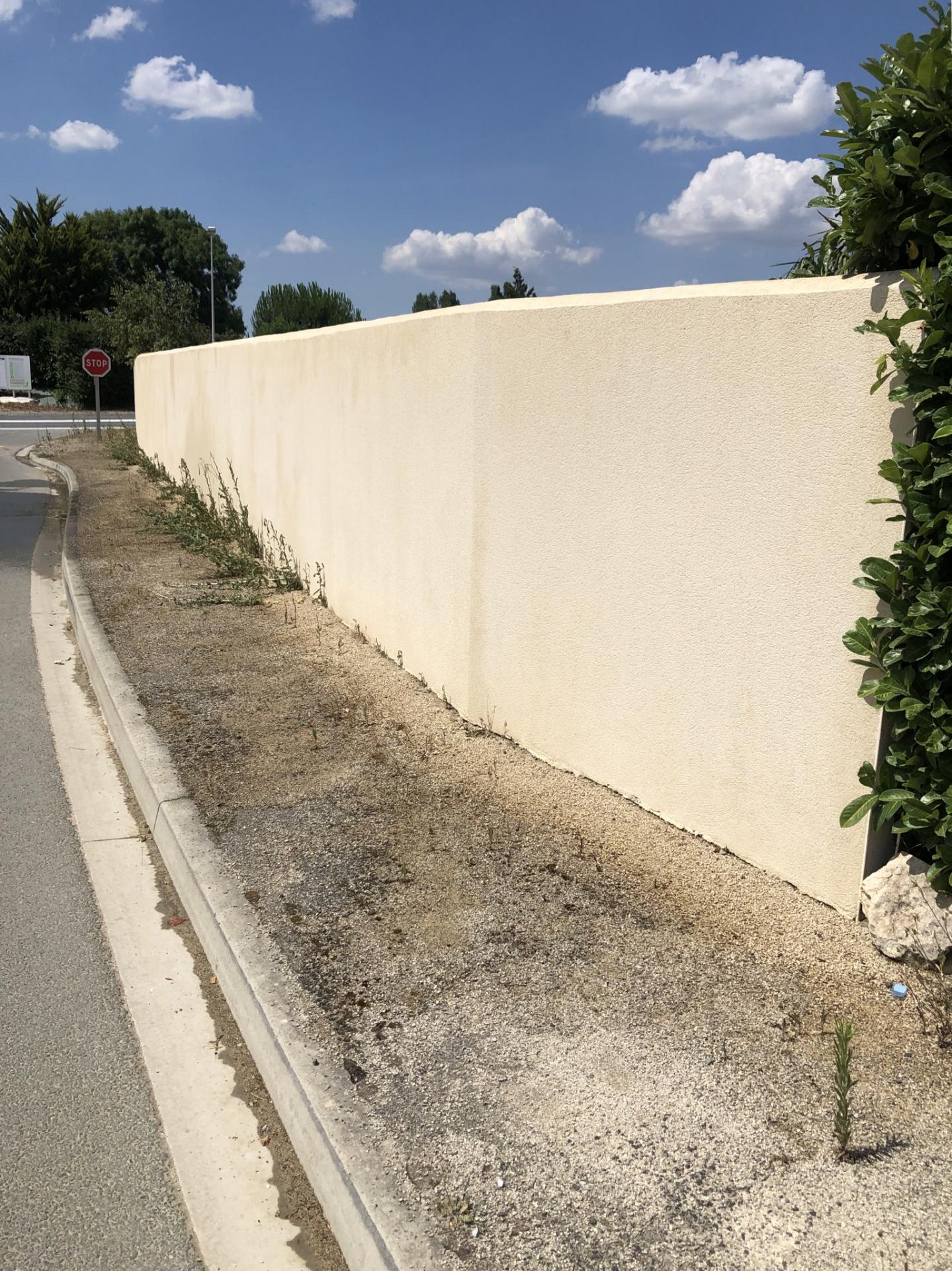 Mur après traitement sans Karcher