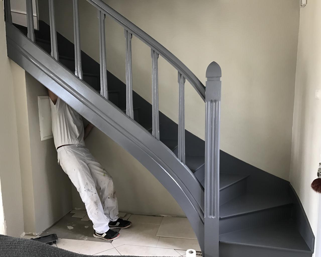 Application de deux couches de peinture